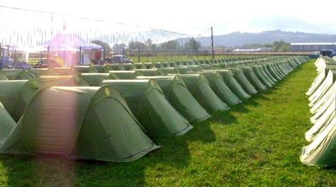 Tent otels, de nieuwe flexibel verplaatsbare hotelkamer